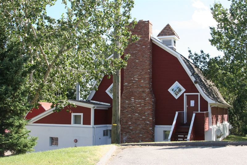 Historic Calgary: McInnes Barn (Shawnessy Community Centre)